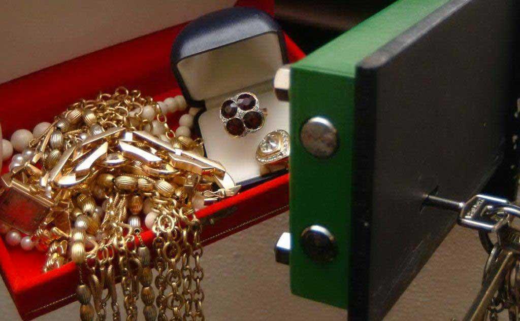 furto-gioielli-cassaforte