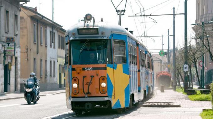 La linea tranviaria Milano-Limbiate è utilizzata ogni giorno da migliaia di pendolari