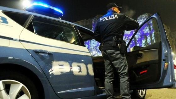 monza sassi contro donne nuovabrianza polizia